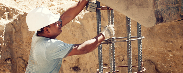stretches to help construction workers prevent injuries